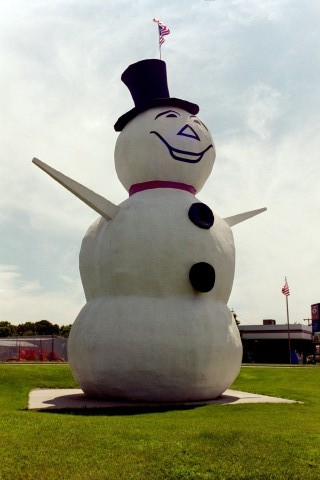 world#39;s largest snowman